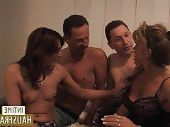 Büyük göğüsler, Ağızdan, Almanya, Esmerler