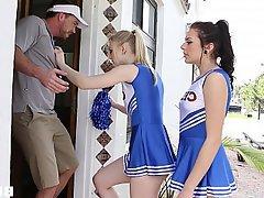 Cheerleader, Teen